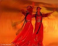 Kashgar, rizses hús, hímzett csizma, szerelmes dal…