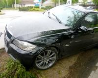 Elszállt egy BMW az Ormos Ede utcában