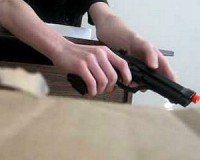 Fociszurkolás pisztollyal