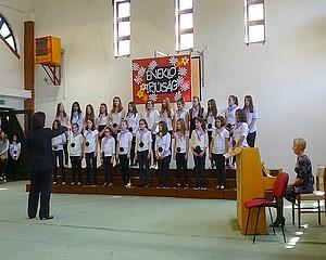 Az együtt éneklés öröméért is