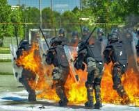 Molotov-koktéllal a tűziszony ellen