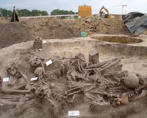 Tömegsírt találtak Kopáncsnál