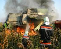 Tüzes hétvége - leégett egy kombájn is