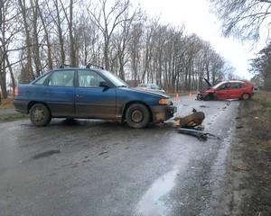 Összeütközött két autó a mártélyi úton
