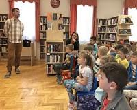 Óriáscsiga és futókacsa – állati jó óra a könyvtárban