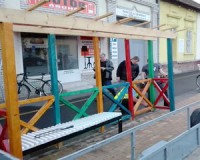 Vásárhelyre költözött a felcsúti buszmegálló