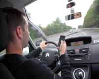 Ezernél több mobiltelefonozó autóvezető