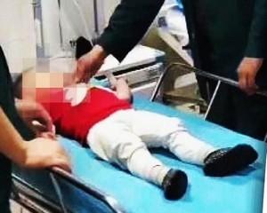 Négy métert zuhant a kétéves kisfiú