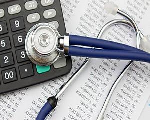 Sürgetik a kórházadósságok rendezését