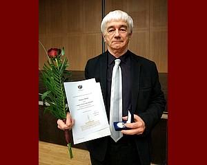 Kitüntették Dömötör Mihály fotóművészt