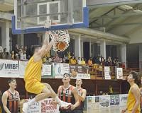 A Kosársuli legyőzte az éllovas csapatot
