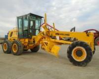 Két új gép a földutak karbantartására