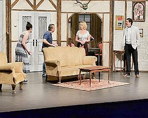 Helyzetkomikumok sora a színpadon