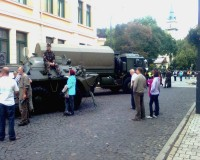 Zenei össztűz a Kossuth téren