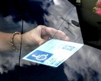 Szigorították a rokkantkártya igénylést