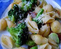Ennivaló receptjeink - Brokkolis-diós tészta