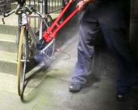 Kerékpárt lopott, majd iskolába ment