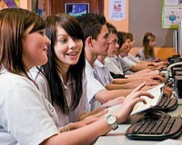 Diákoknak ingyenes lesz az Office