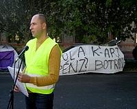 Sátrazás a Jobbik listavezetőjének háza előtt