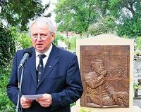 Felavatták Szalay Ferenc sírhelyét