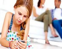 Ártalmas a gyerekeknek az okostelefon?