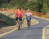 Kerékpárút a Maros folyó felett